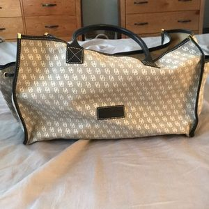 Large Dooney and Bourke Tote